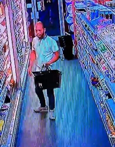 Shoplifter spills stolen goods on the floor after fleeing