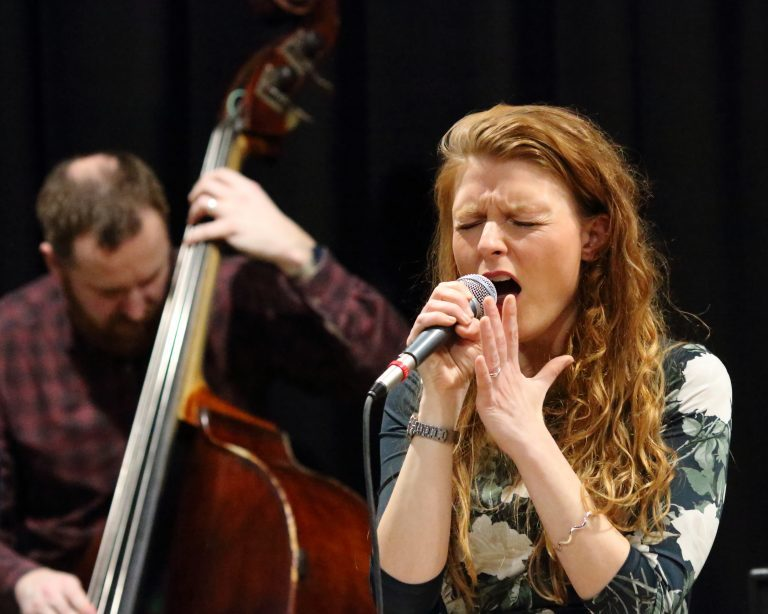 Songstress Zoe to swing into the Harwich Town Sailing Club for special Jazz performance