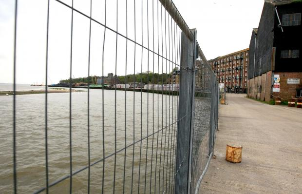 Plans to replace Quay fence could still go ahead
