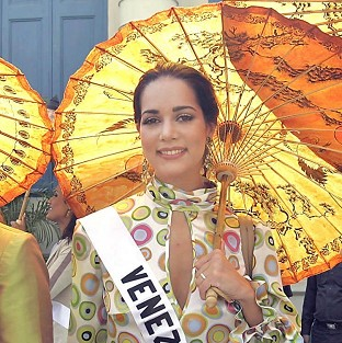 Former Miss Venezuela Monica Spear, who took part in a Miss Universe pageant in Thailand, and her British ex-husband Thomas Berry, were killed during a robbery.