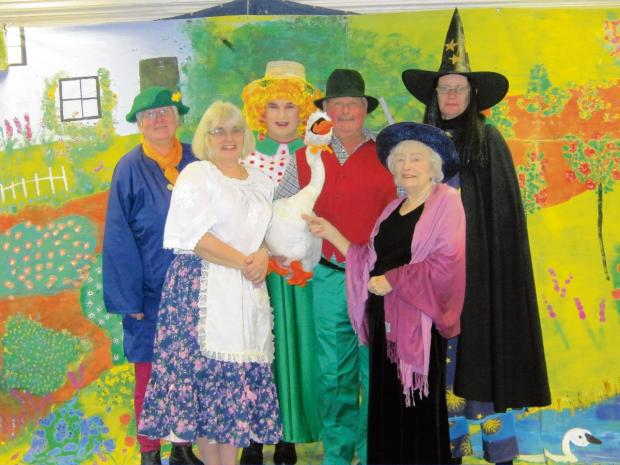 Harwich and Manningtree Standard: Six ready for late panto fun