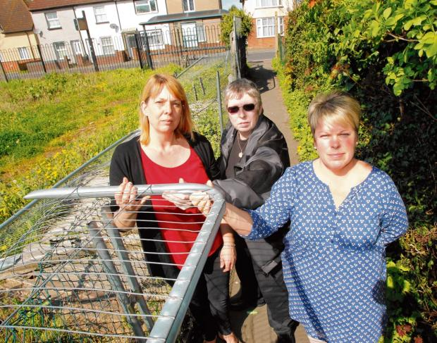 Broken hospital fencing 'could take an eye out'