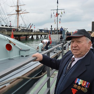 Veterans see Churchill review boat