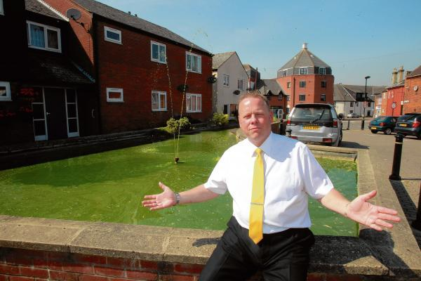 Pond is embarrassing, claims councillor