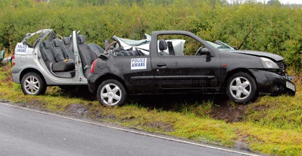 Duo cut from cars after crash in Maldon