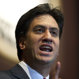 Miliband: Turn young from terror