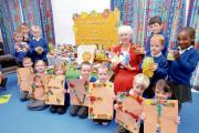 Pupils hand over food for good cause