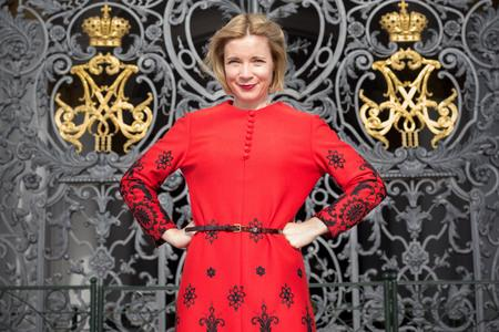 Harwich and Manningtree Standard: Programme Name: Empire of the Tsars: Romanov Russia with Lucy Worsley - TX: n/a - Episode: n/a (No. 3) - Picture Shows: in front of the Gates of the Winter Palace, Saint Petersburg. Lucy Worsley - (C) BBC - Photographer: Shelley Cornick (51124568)
