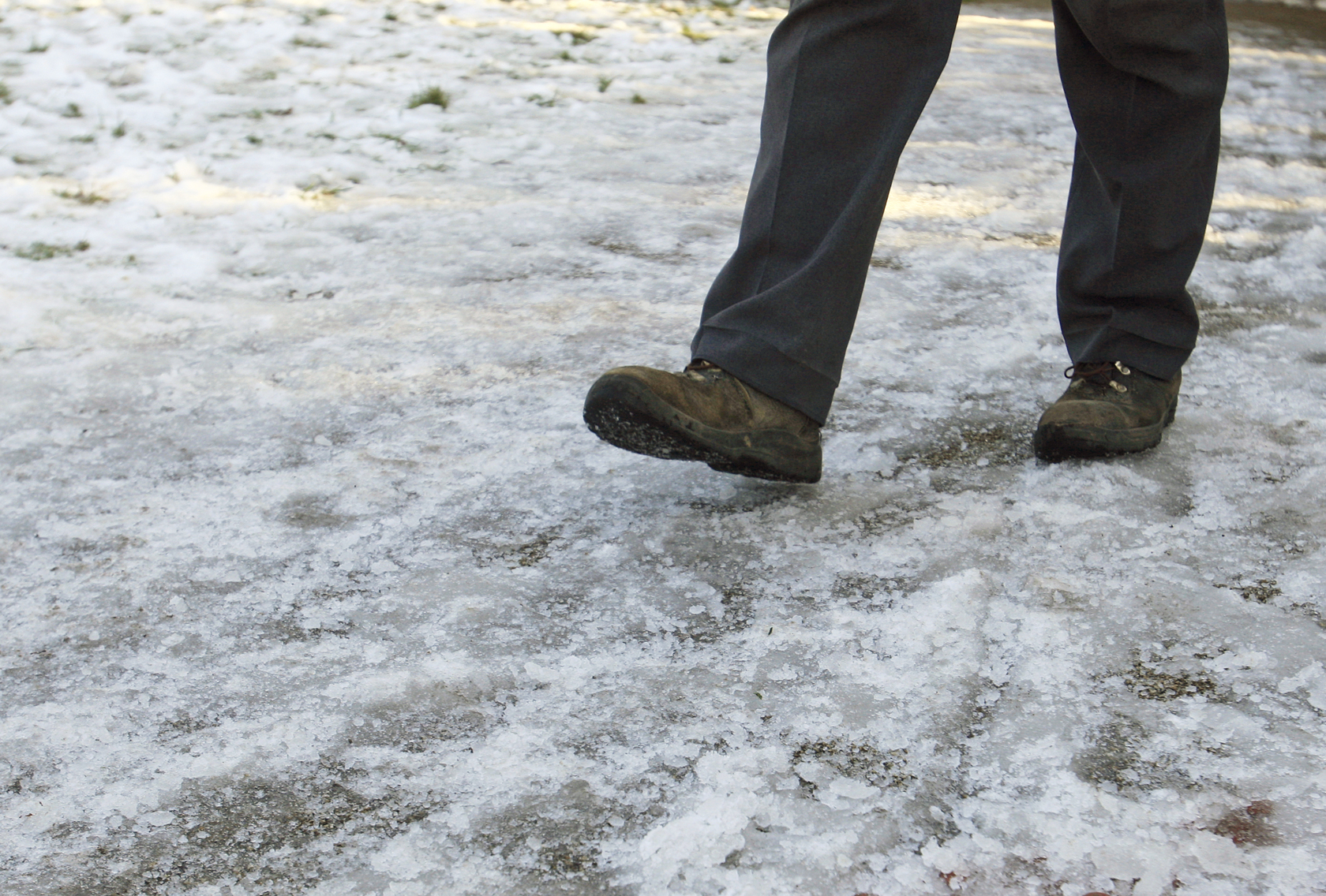 Met Office issue ice warning for Friday morning