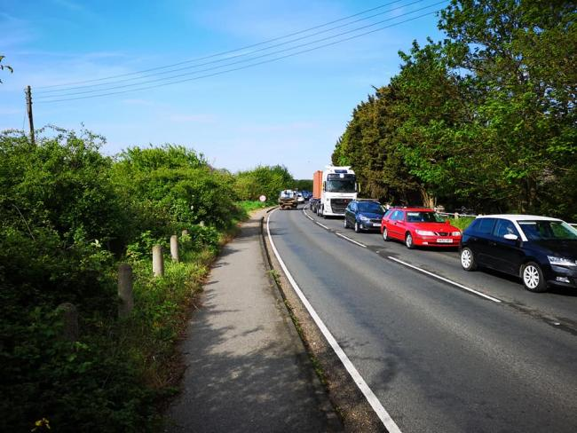 Traffic due to the traffic lights on the A137 at Cattawade